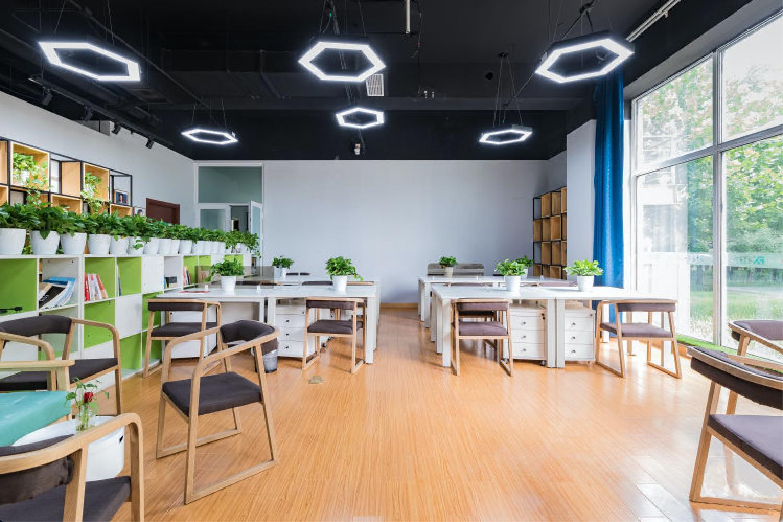北京芬享艺术社区办公室短租,企业工位出租